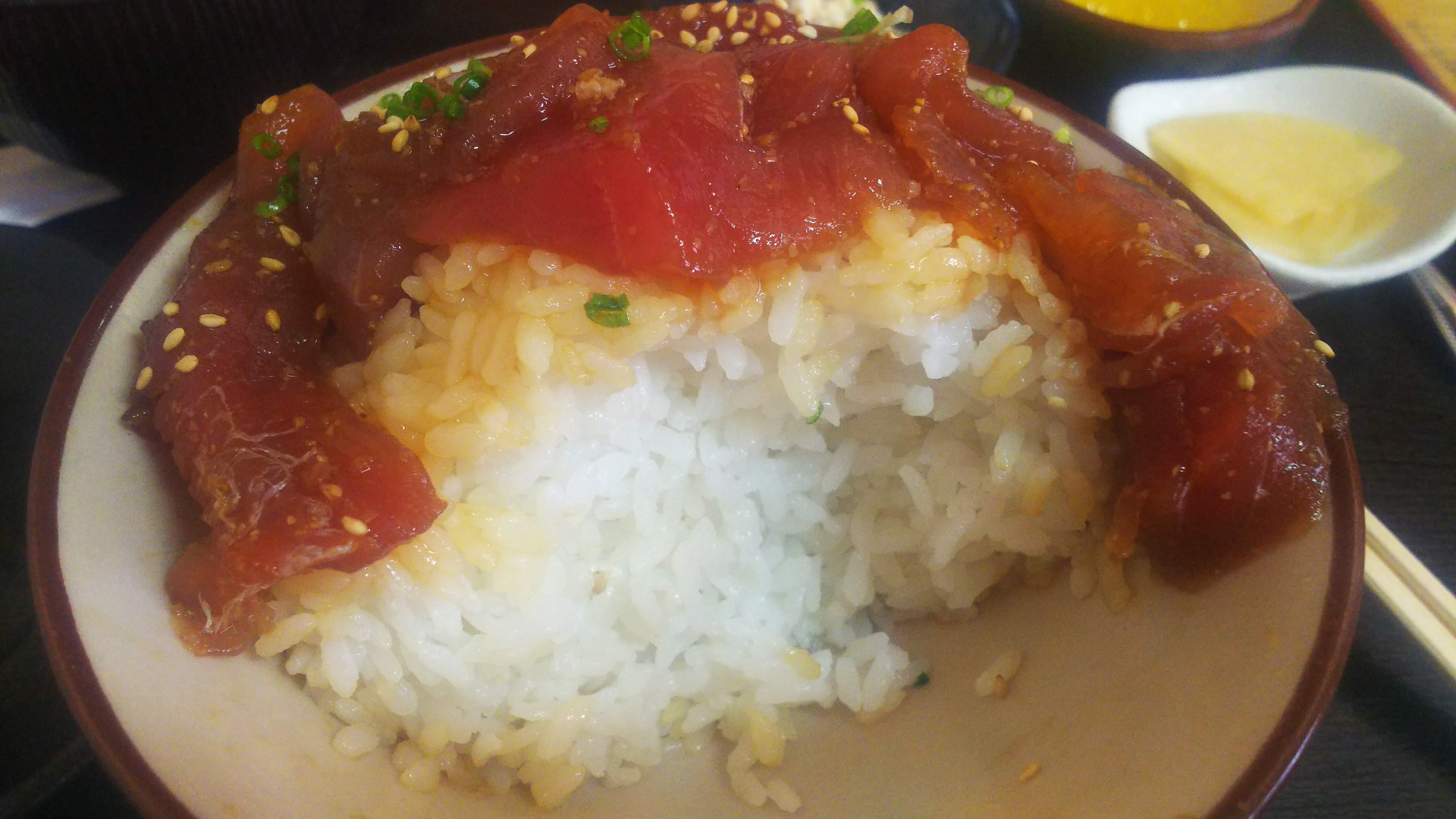 魚まるてんこ盛り丼4