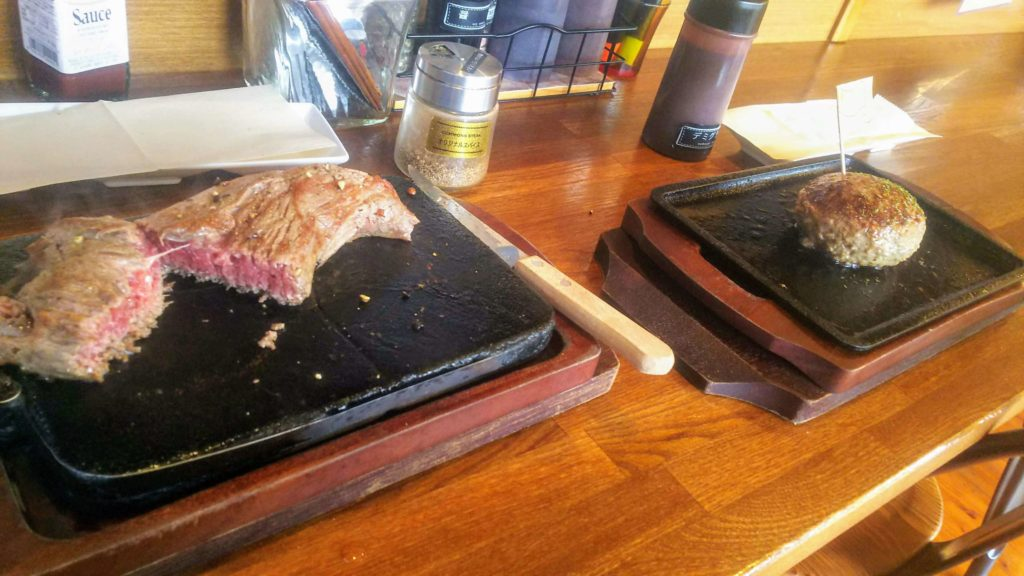 コモンズ赤肉ハンバーグ6